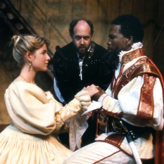 Richard-Haines-as-Iago-Joanna-Weinberg-as-Desdemona-John-Kani-as-Othello-©-Ruphin-Coudyzer.jpg